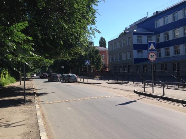 Активисты проекта «Единая Россия» помогли обустроить безопасный переход для школьников