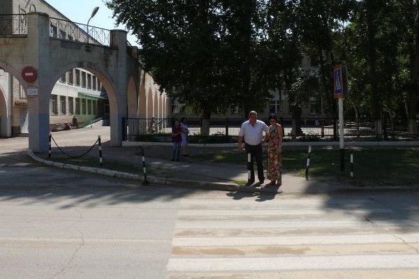 Безопасность пешеходных переходов проверили в Энгельсе