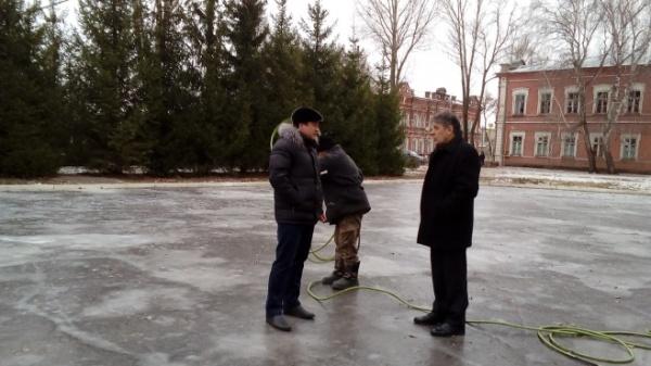 ВУсть-Каменогорске планируют залить три ледовых катка всамом начале декабря